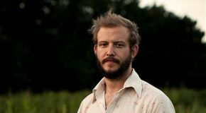 Bon Iver – Towers [Video]