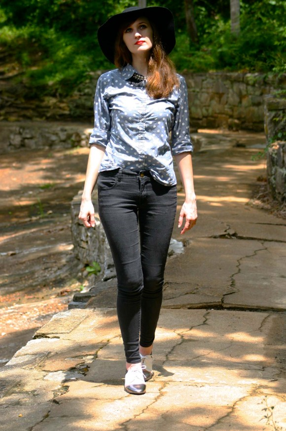 Emily from Fashion By Committee- Banana Republic polka dot chambray button up, American Eagle black skinny jeans, Kohl's Apt. 9 floppy black hat, Forever 21 crown ring, ModCloth tri-tone oxfords