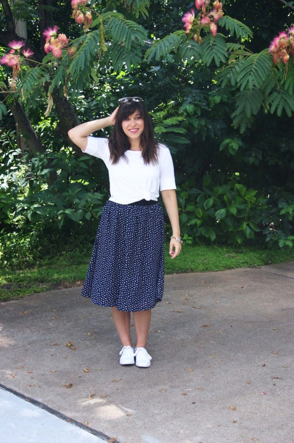 Jeanne FBC navy-white-polka-dot-midi-skirt-hm-white-tee-shirt-target-lunea-sneakers-rose-sunglasses-pink-statement-bracelet 6