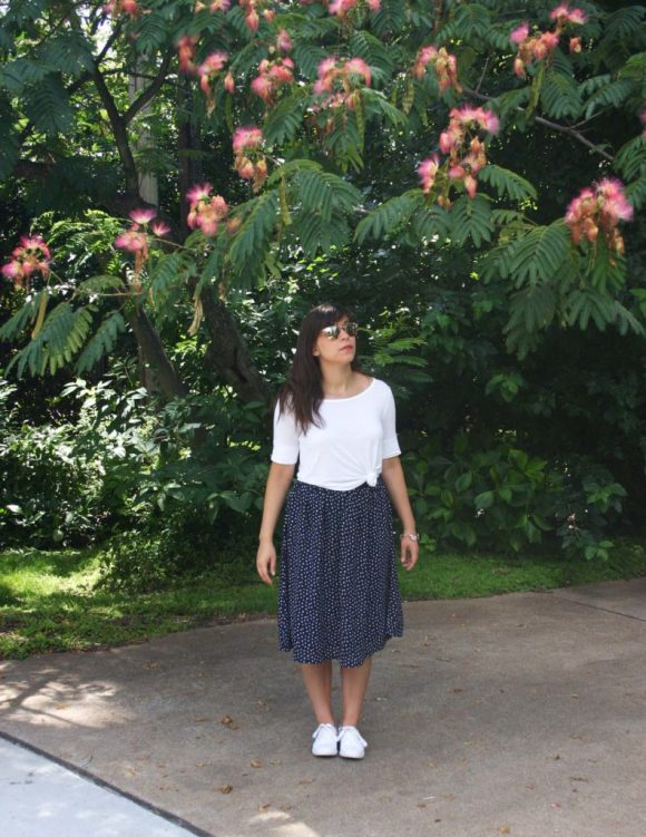 Jeanne FBC navy-white-polka-dot-midi-skirt-hm-white-tee-shirt-target-lunea-sneakers-rose-sunglasses-pink-statement-bracelet 7