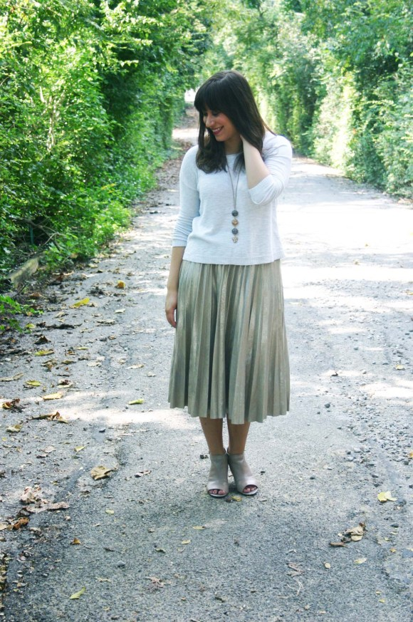 jeanne-fbc-zara-metallic-pleated-midi-skirt-oatmeal-cropped-sweater-taupe-peep-toe-shooties-paperdolls-trina-drop-stone-necklace