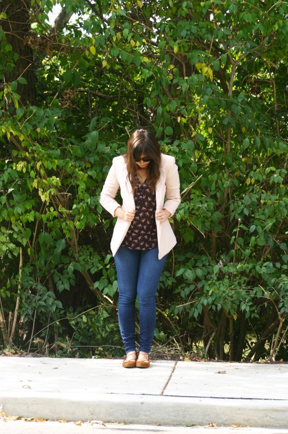 jeanne-fbc-hm-blush-blazer-fitted-jacket-burgundy-bird-printed-blouse-loft-skinny-jeans-target-kady-pointed-toes-lace-up-ballet-flats-cognac-gold-bar-delicate-necklace-fall-fashion-3