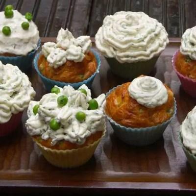 Cupcakes au saumon, chèvre et petits pois