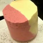 Soufflé glacé passion-framboises, sauce chocolat-fèves de Tonka