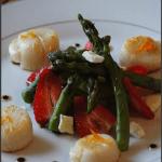 Saint-Jacques à la plancha et salade d'asperges