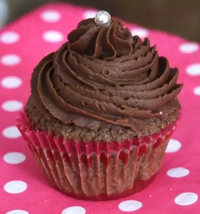 cupcakes tout chocolat cookies trois chocolats. Black Bedroom Furniture Sets. Home Design Ideas
