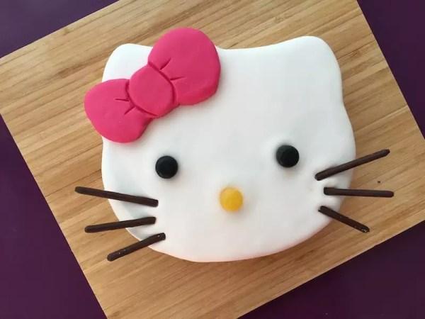 hello-kitty-cake
