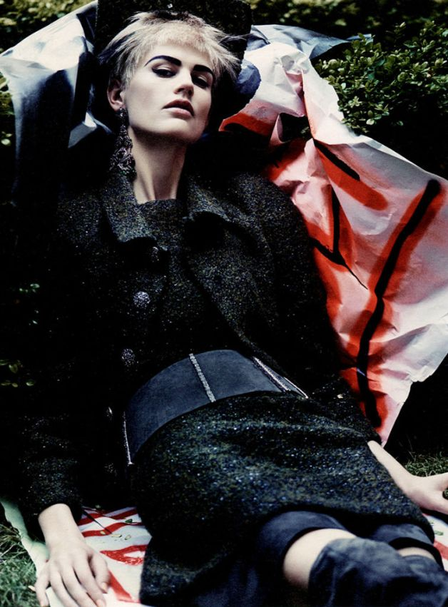 saskia-de-brauw-by-craig-mcdean-for-w-magazine-october-2013-12