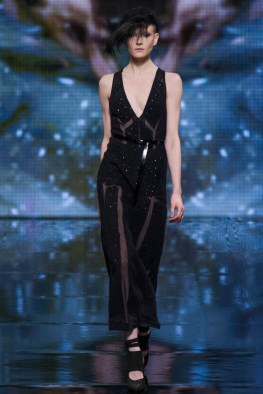 donna-karan-fall-winter-2014-show32