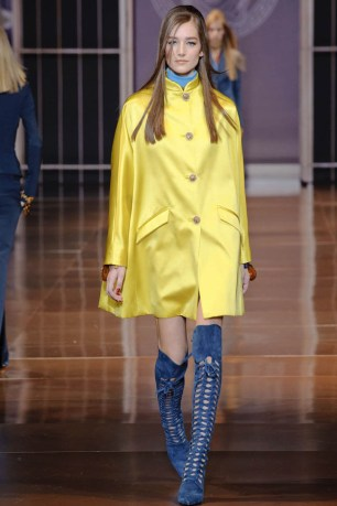 versace-fall-winter-2014-show12