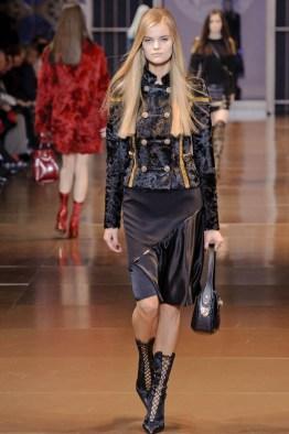 versace-fall-winter-2014-show18