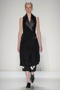 victoria-beckham-fall--winter-2014-show15