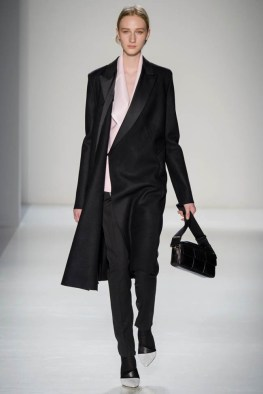 victoria-beckham-fall--winter-2014-show20