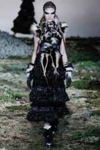 alexander-mcqueen-fall-winter-2014-show19