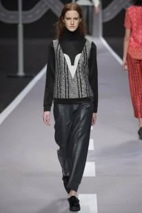 Viktor & Rolf Fall/Winter 2014   Paris Fashion Week