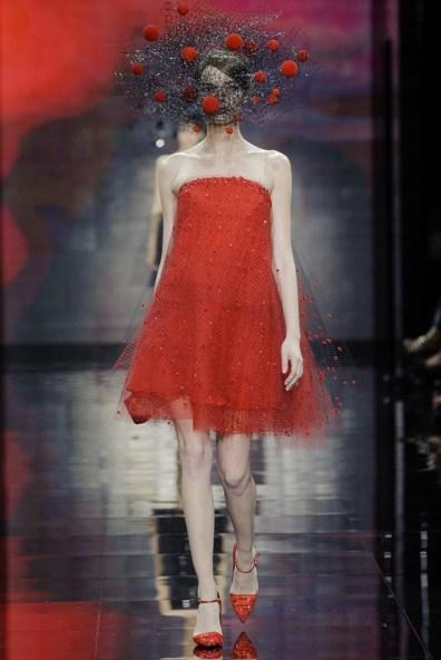 armani-prive-2014-fall-haute-couture-show51