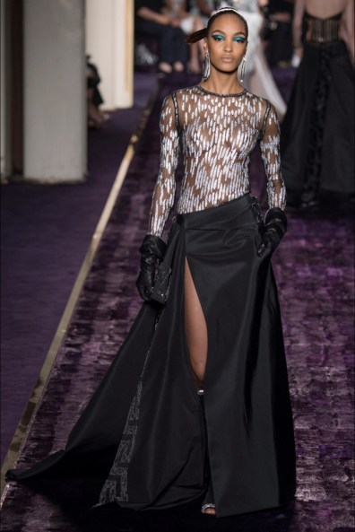 atelier-versace-2014-fall-haute-couture-show26