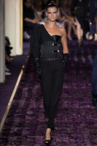 atelier-versace-2014-fall-haute-couture-show3