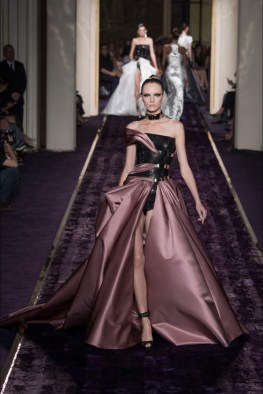 atelier-versace-2014-fall-haute-couture-show30
