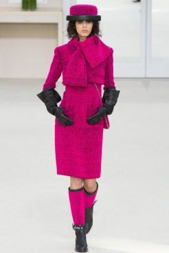 Chanel-2016-Fall-Winter-Runway01