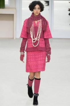 Chanel-2016-Fall-Winter-Runway05