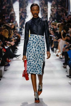 Dior-2016-Fall-Winter-Runway08