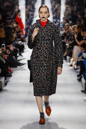 Dior-2016-Fall-Winter-Runway51