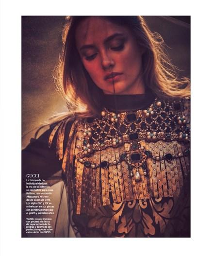 Karmen-Pedaru-Harpers-Bazaar-Span-2016-Cover-Editorial21