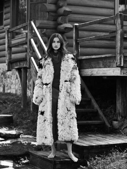 Jacquelyn Jablonski Models Luxe Outerwear for Vogue Mexico