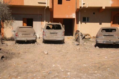 41 قتيلاً و أكثر من 6 جرحى من جنسيات غير ليبية جراء قصف منزل بمنطقة القصر بصبراتة.
