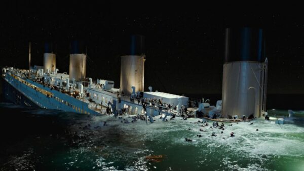 sinking-titanic-wallpaper,1366x768,65293