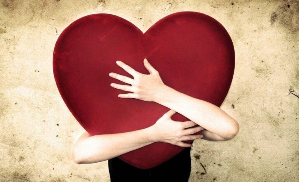 Essa é a razão pela qual nos apaixonamos, de acordo com a ciência Essa é a razão pela qual nos apaixonamos, de acordo com a ciência Cad C3 AA a euforia da paix C3 A3o O amor encobriu 1