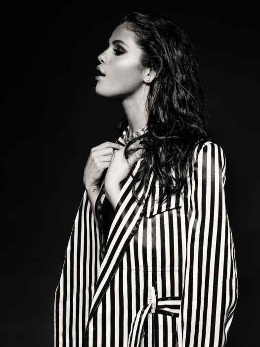 Selena Gomez at FD Photo Studio (4)