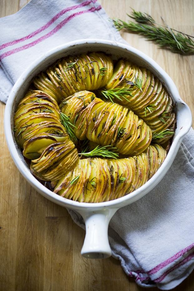 Rosemary Garlic Hasselback Potatoes
