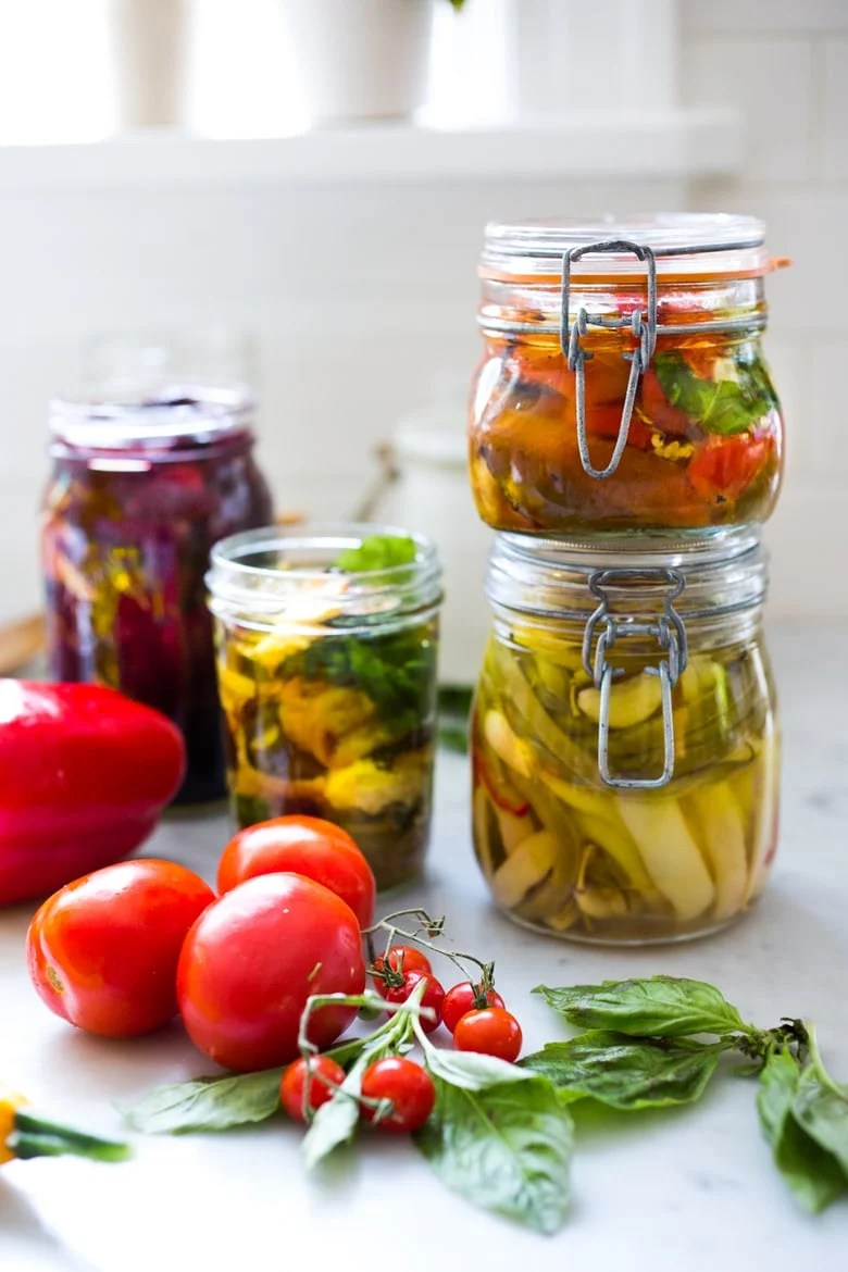 PRESERVING VEGGIES IN OLIVE OIL