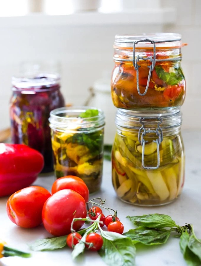 Oil Marinated Veggies- a quick and delicious way to preserve veggies in olive oil.. Great in sandwiches, salads, pastas or bring to your next Mezzo Party! | www.feasting at home.com