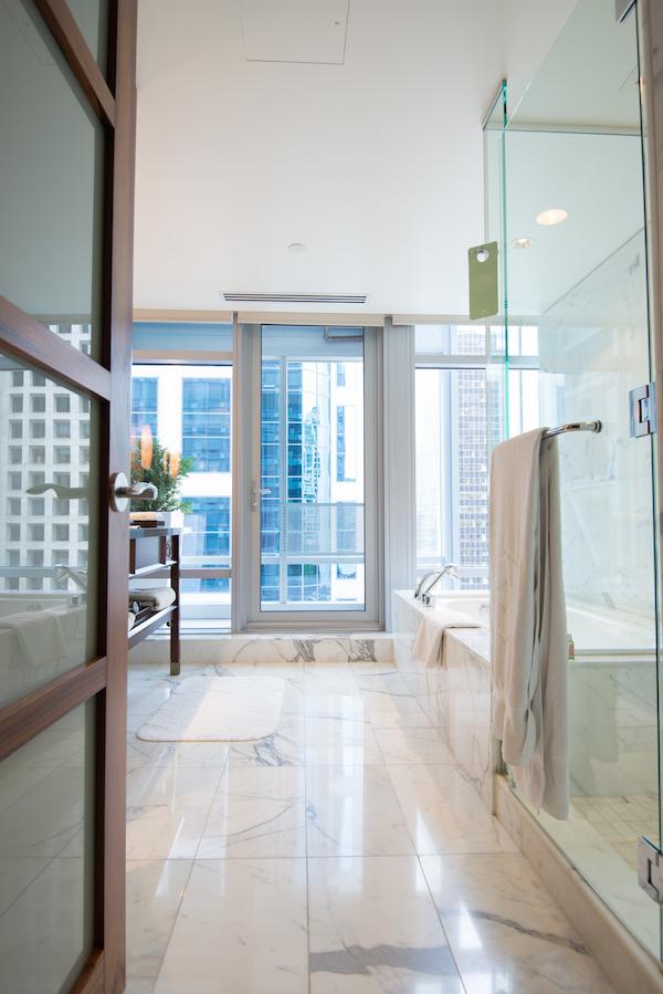 Shangri La Vancouver bathroom