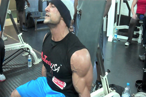 Here-are-The-Reasons-Why-Your-Biceps-Don't-grow-Properly-(7)