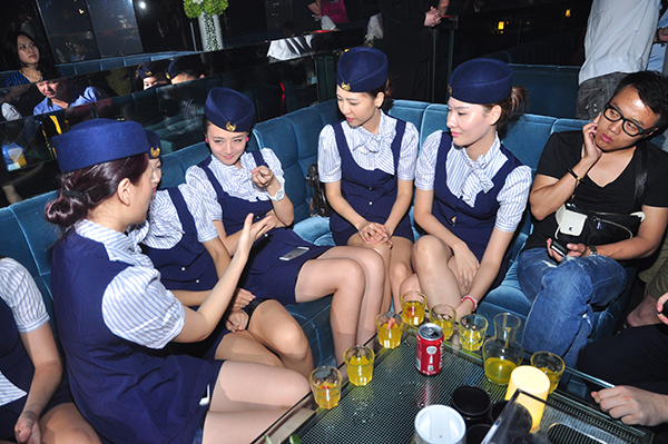 Surprising-Secrets-About-Air-Hostess (2)