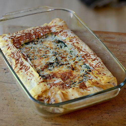 spinach, feta, tart, spanikopita, Greek, baking, onions