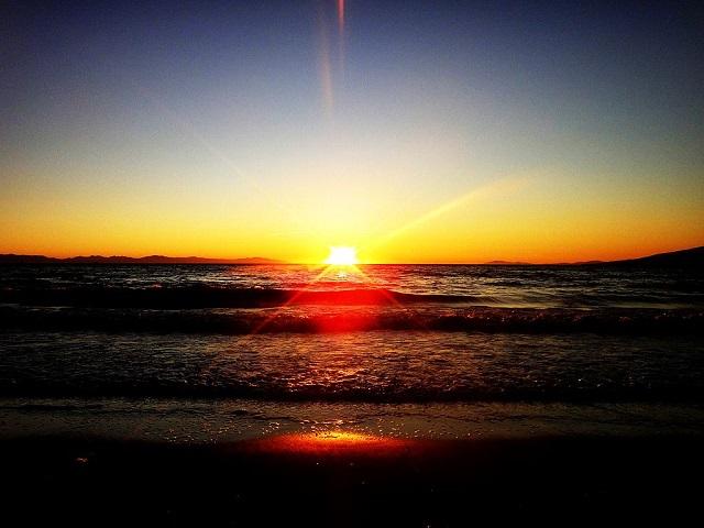 1024px-Goodbye_sun