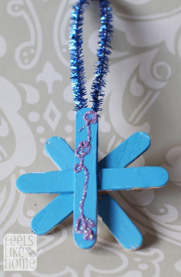 popsicle-stick-snowflake-ornaments-preschoolers-allie
