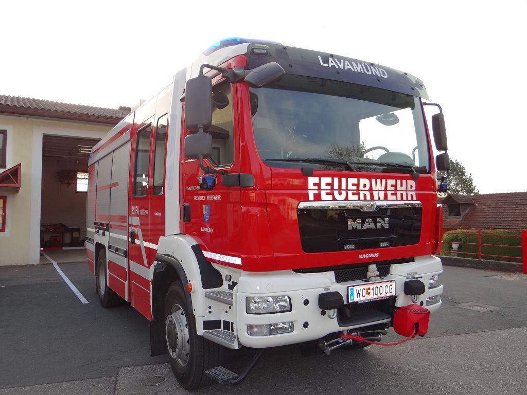 Rüstlöschfahrzeug / RLFA 2000
