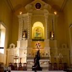 L'intérieur d'une église à Macao