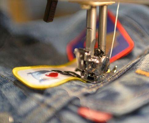 Levi's Tailor Shop: customiza tus Levi's y preparate para los festivales.