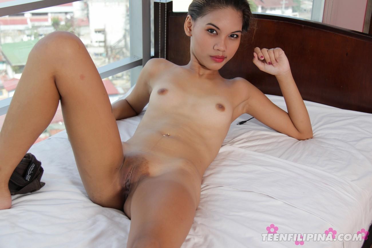 Naked women skinny island