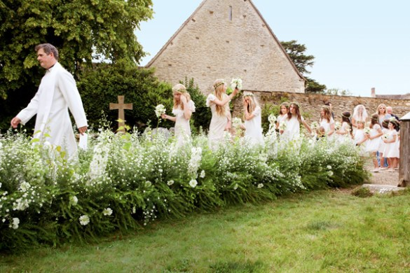 kate-moss-wedding-party-entering-church-english-village