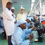 Historique: les premiers téléphones VMK sortent de l'usine congolaise