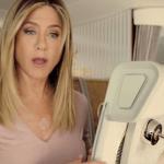 Jennifer Aniston se fait un nouvel ami à bord d'Emirates