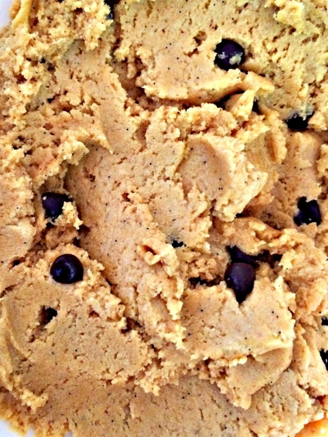 Oh my goodness! PROTEIN cookie dough!!!  Dream come true